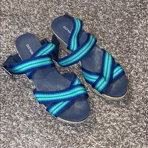 Old navy size 7 blue & green wedge sandals